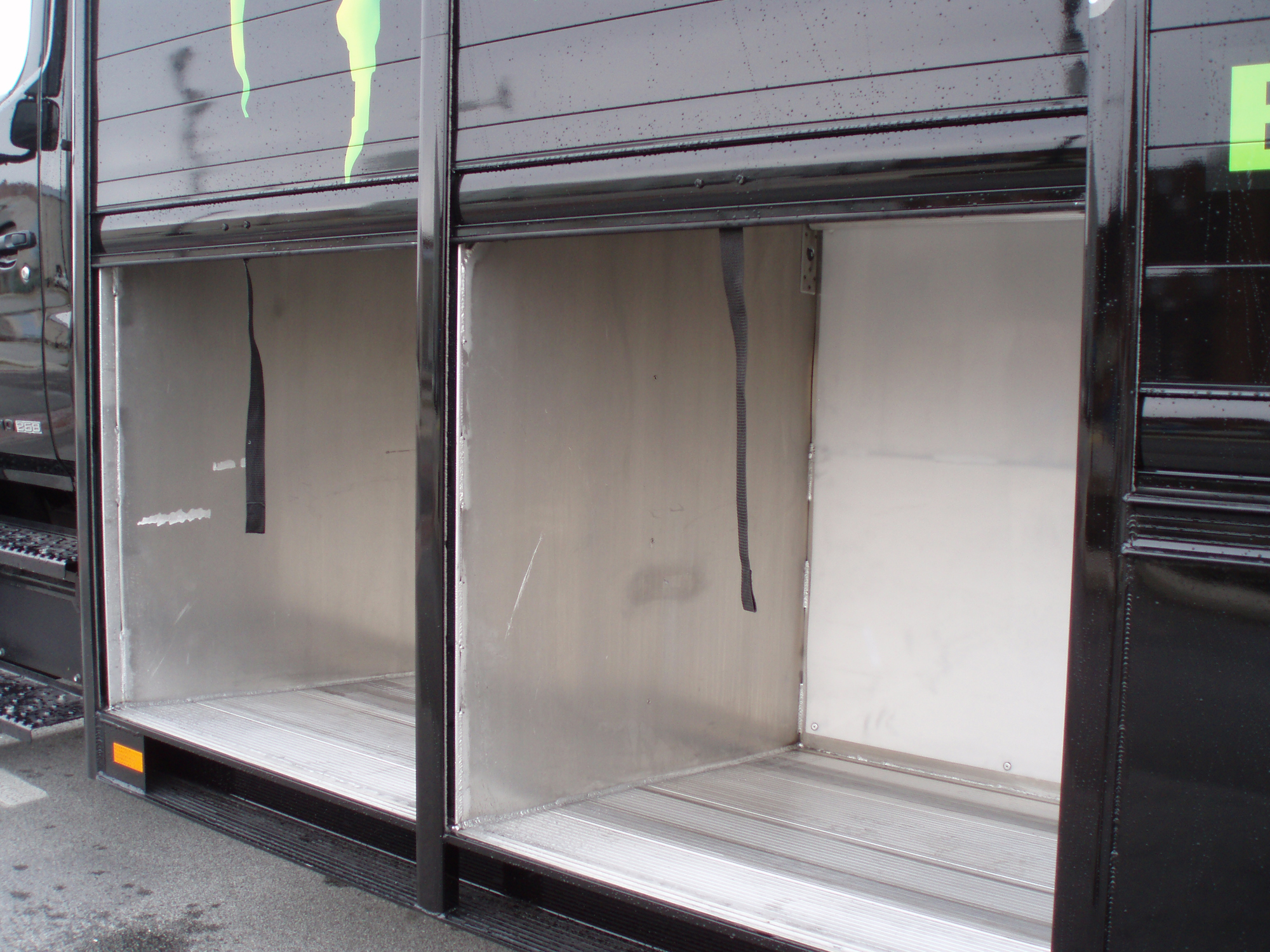 Proven Hackney Roll Up Doors With Insulated Option